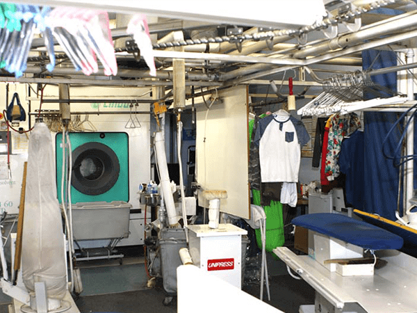 تجهیزات و لوازم خشکشویی